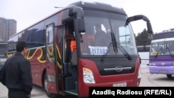 Azerbaijan -- New bus in Baku, 04Apr2011