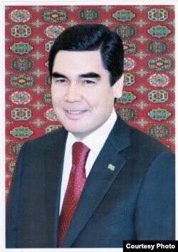 Türkmen prezidentiniň 2013-nji ýyldaky portreti.
