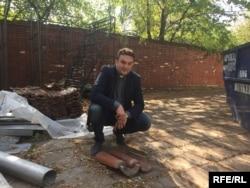 Юры Санько на будаўнічай пляцоўцы каля касьцёлу, 2015 год