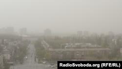 Пылевая буря в Киеве, апрель 2020 года