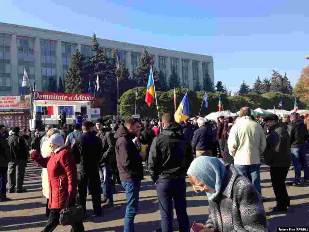 Astăzi în Piața Marii Adunări Naționale...