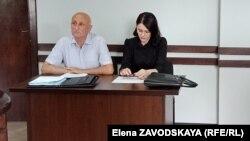 Леонид Лакербая и его адвокат Анна Званбая, 10 июня 2019 г