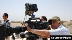 الفنان العراقي قاسم حول