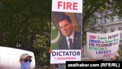 Акции протеста в Вашингтоне против режима Гурбангулы Бердымухамедова 28 июня 2020 года.