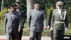 پرویز مشرف رییس جمهوری پاکستان، روز دوشنبه وارد تهران شد