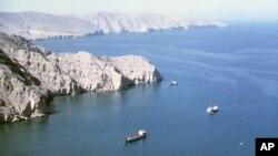 تنگه هرمز یکی از شریانهای اصلی انتقال نفت است.