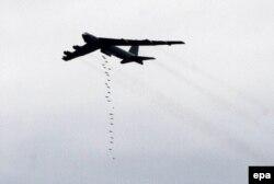 بی-۵۲ ارتش آمریکا در جریان یک رزمایش نظامی نزدیک مرز عربستان
