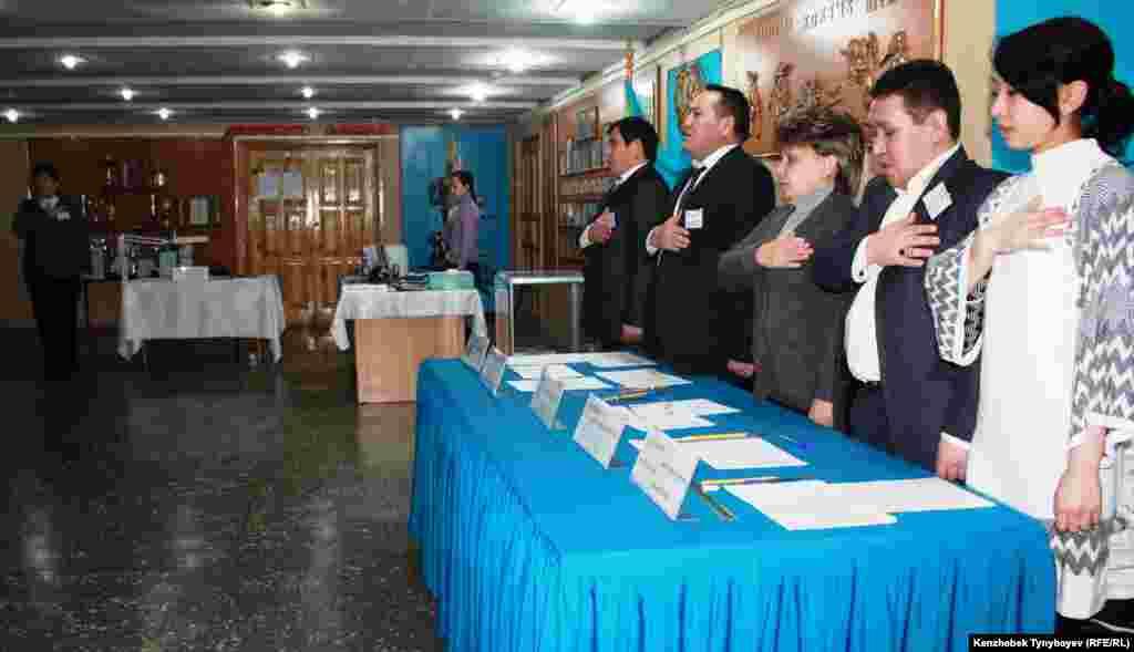 Избирательный участок № 263 в Алматы.