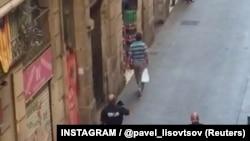 Полиция патрулирует улицы в Барселоне после теракта