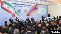 Armenia - Armenian Prime Minister Hovik Abrahamian and Iran's First Vice-President Eshaq Jahangiri open an Armenian-Iranian business forum in Yerevan, 15Oct2015.