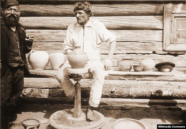 Ісак Сэрбаў. Вёска Гарадная на Століншчыне. Лігор Гмір і купец Янкель (1912 год)