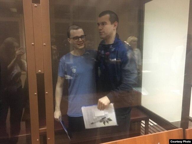 Вячеслав Крюков и Руслан Костыленков в суде