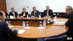 Работна средба на министерот за правда Аднан Јашари со амбасадорот на САД задолжен за прашања поврзани со сириските странски борци Роберт Брадке.