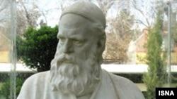 Nişapur şäherinde Omar Haýýamyň heýkeli