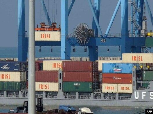 کانتینرها با لوگوی «خطوط کشتیرانی جمهوری اسلامی ایران»