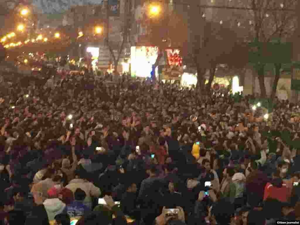Протест в Зенджане, городе на северо-западе Ирана.