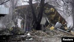Будівля магазину, зруйнованого обстрілами, Донецьк, 20 січня 2015 року