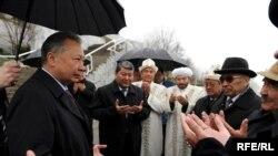 Президент Курманбек Бакієв, скаржаться киргизи, украв у них революцію