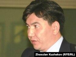 Аслан Саринжипов, министр образования и науки.