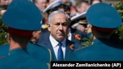 Премьер-министр Израиля Биньямин Нетаньяху на церемонии у могилы Неизвестного Солдата. Москва, 9 мая 2018 года.