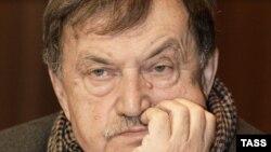 Василий Аксёнов.