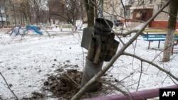 Снаряд влучив в дитячий майданчик, Краматорськ, 10 лютого 2015 року