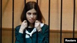 Надежда Толоконникова сот учурунда. 26-апрель, 2013-жыл.