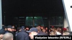 Полиция перед началом концерта во Львове