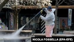 Дезинфекция на улиците в Падуа, Италия. Снимката е от 12 март 2020 г.