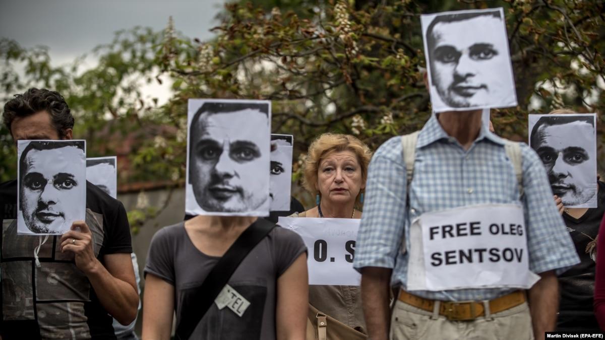 Порошенко призвал международное сообщество оказать давление на Кремль в связи с голодовкой Сенцова