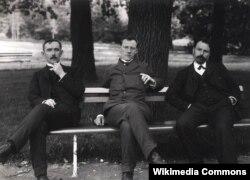 Члены фракции трудовиков А. Ф. Аладьин, И. В. Жилкин, С. В. Аникин. 1905. Фотограф Карл Булла