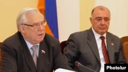 Armenia -- Nikolay Ryzhkov (L), a Russian State Duma member, at a news conference in Yerevan, 11Nov2010.