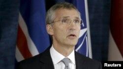 НАТО бас хатшысы Йенс Столтенберг альянстың жаңа әскери орталығының ашылуында сөйлеп тұр. Вильнюс, 3 қыркүйек 2015 жыл.