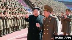 Հյուսիսային Կորեայի առաջնորդ Կիմ Չեն Ունը հանդիպում է զինվորականության հետ, արխիվ