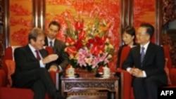 قرار است که برنار کوشنر مقدمات سفر ماه آینده رییس جمهوری فرانسه به چین را مهیا کند.