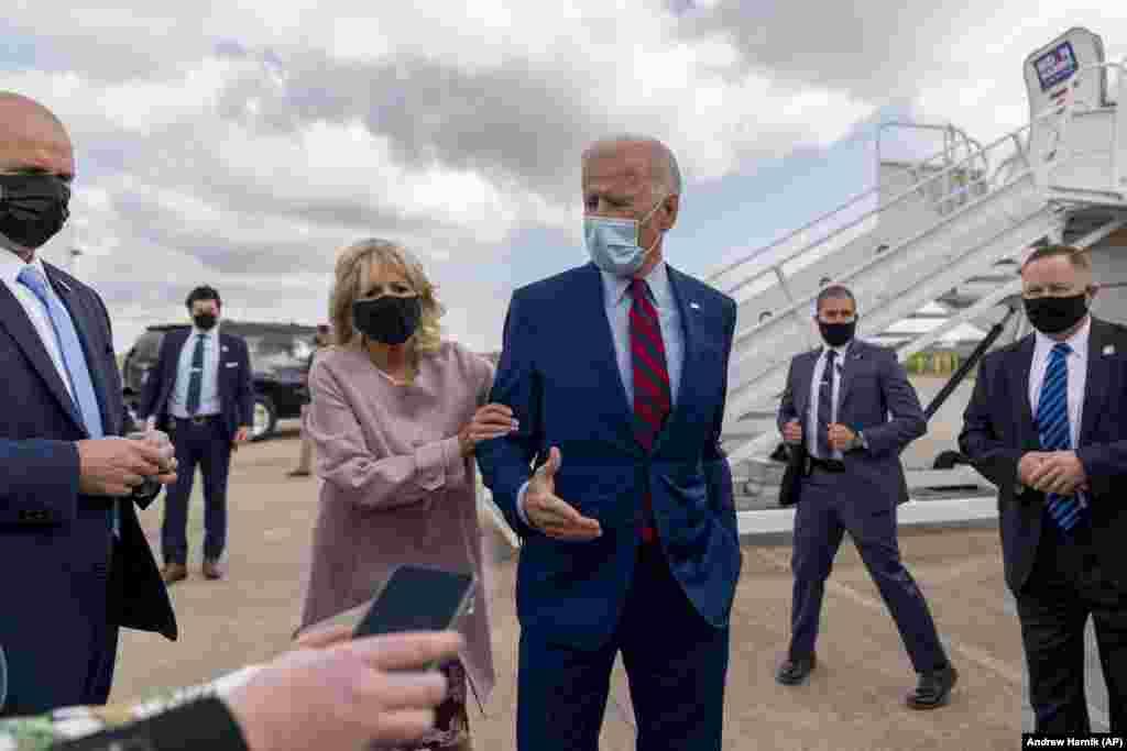 Джо Байден с супругой Джилл во время своей предвыборной кампании в Нью-Касл, Делавэр, 5 октября 2020 года
