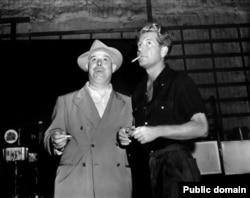 Rejissor Jean Renoir və onun tanıtdırdığı aktyor Jean Gabin.