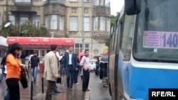 Bir neçə gündür ortatutumlu avtobuslar şəhərin mərkəzinə buraxılmır