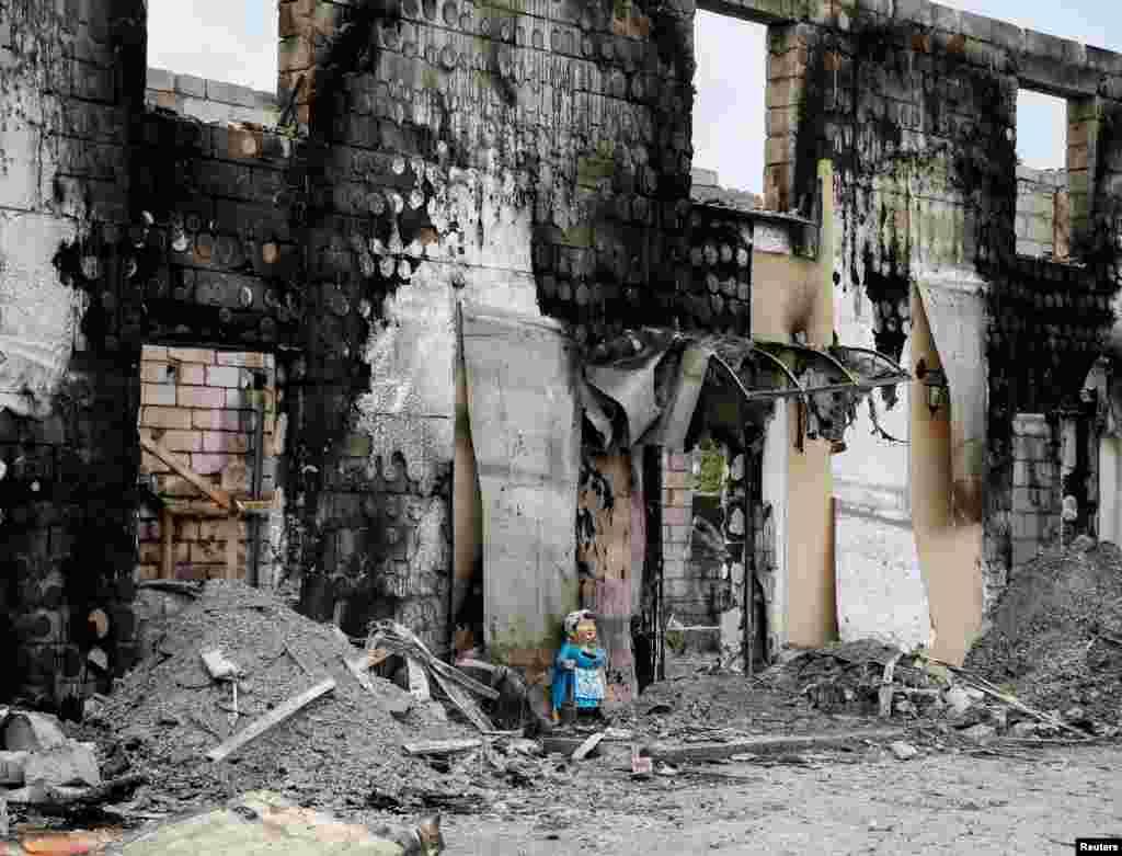 Президент України Петро Порошенко доручив голові Київської обласної адміністрації надати допомогу постраждалим у пожежі.