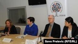 Sa konferencije za novinare OEBS kancelarije za praćenje regularnosti izbora, septembar 2012.