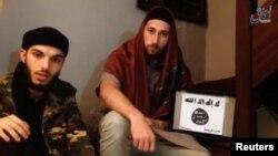Kilsəyə hücum etmiş Adel Kermiche (solda) və Abdel Malik Petitjean