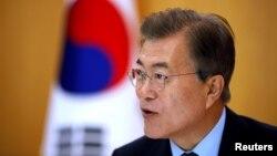 Lideri jugkorean, Moon Jae-in, foto nga arkivi