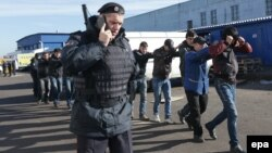 Rusiyada miqrantlara qarşı növbəti polis reydi.