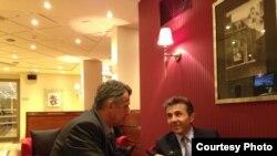 Premierul Georgiei, Bidzina Ivanishvili (dr.) intervievat la Riga, la 7 septembrie de ziaristul Europei Libere, Koba Liklikadze.