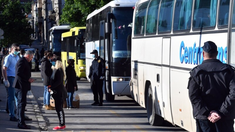 Bosnian Croats Turn Back Buses Carrying Migrants From Sarajevo