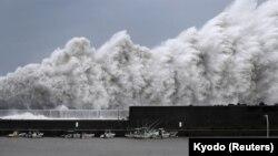 Pamje nga tajfuni i mëparshëm në Japoni, foto nga arkivi.