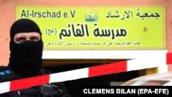 Poliția germană desfășoară percheziții la moschei care au legătură cu grupare Hezbollah
