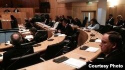 Обсуждение законопроекта о криминализации Геноцид армян в парламенте Кипра, 2 апреля 2015 г. (Фотография - с фейсбуковской страницы электронного издания «Армяне Кипра»)