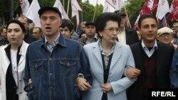 Нино Бурджанадзе на оппозиционном шествии за отставку президента Саакашвили. 2009 год