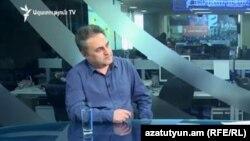Քաղաքական վերլուծաբան Արմեն Բաղդասարյանը հարցազրույց է տալիս «Ազատությանը», արխիվ